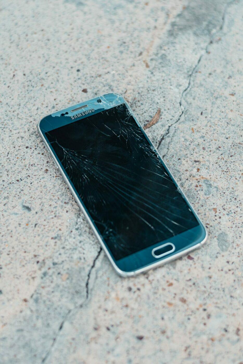 Broken phone data recovery
